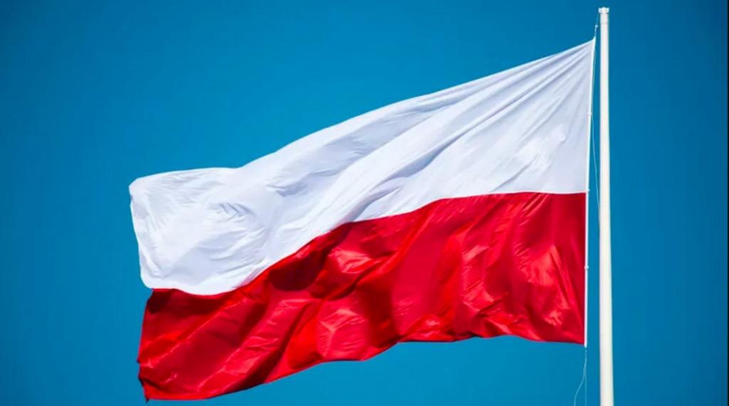 Flaga polska fot WOJCIECH STROZYK_REPORTER_EAST_NEWS